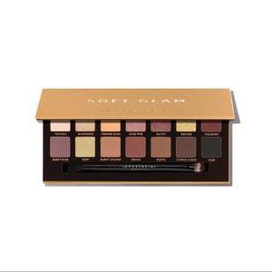 Soft Glam Anastasia Eyeshadow Palette